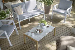 Outdoor furniture and decoration for a great garde...